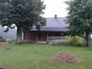 Wynajmę siedlisko zabudowane domem drewnianym do celów filmowych