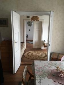 Wiejski dom z lat 30-tych pod Krakowem