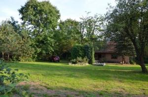 Wiejski dom z dużym ogrodem